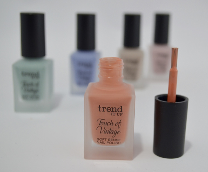 Trend it up, TOUCH OF VINTAGE Soft Sense Nail Polish 050