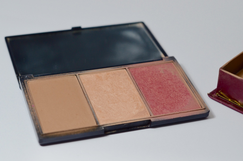 Sleek Face & Form Contouring & Blush Palette Light 373