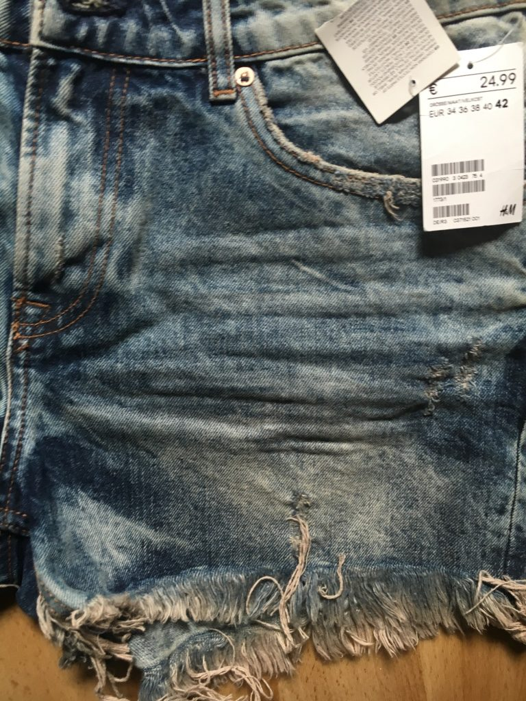 H&M Ripped Jeans 1